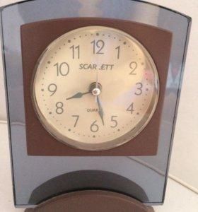Часы - будильник SCARLETT
