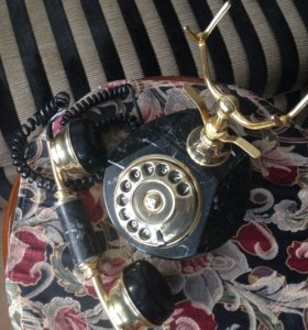 Телефон Классика в интерьере