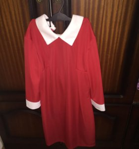 Платье красное с воротником