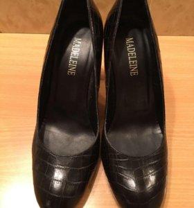 Туфли madeleine 40, чёрные кожаные