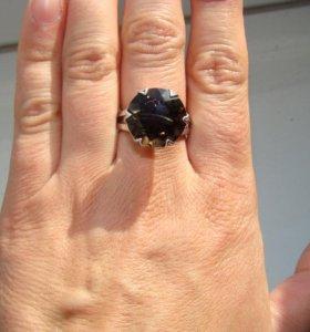 Кольцо с раухтопазом.Серебро 925,р-р 18.