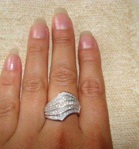 Кольцо серебро 925, с цирконами-18р.