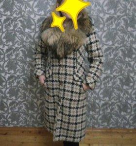 Шикарное зимнее пальто(отличное состояние)