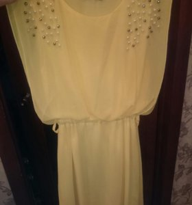 Платье ярко жёл, состояние идеальное