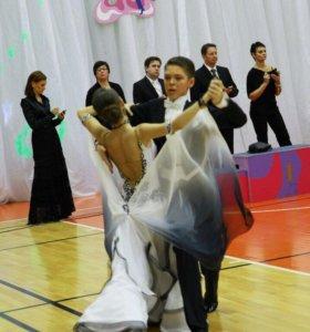 Спортивное бальное платье