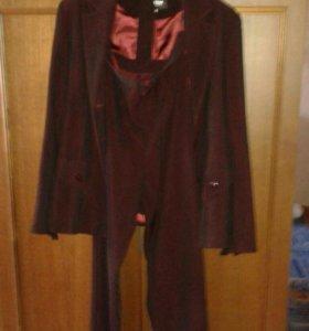 Продам женский костюм(пиджак брюки галстук)