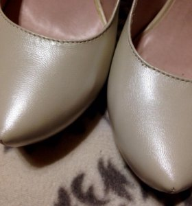 Туфли кожаные бежевые
