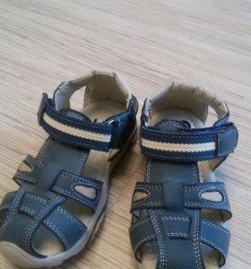 Новые сандали кожа