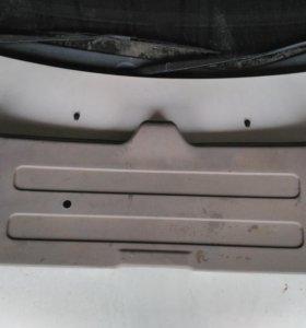 Панель задней двери Nissan Cube Z10
