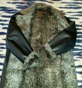 Куртка  на натуральном  меху новая Торг.