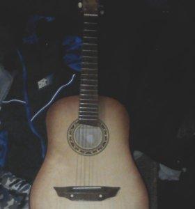 Гитара 6 струнная в хорошем состоянии