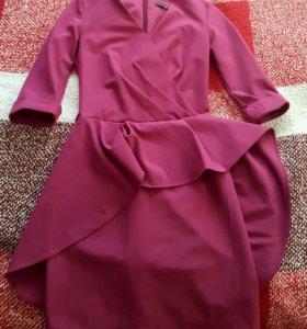 Красивое платье .одето один раз