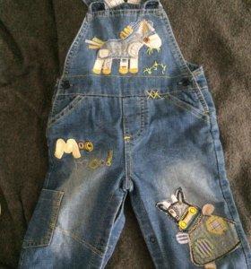 Новый джинсовый полукомбинезончик 5-7 месяцев