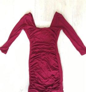 Стрейчевое платье Forever21