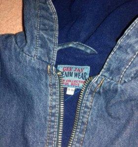 Тёплая джинсовая куртка.