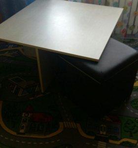 Журнальный столик с пуфами