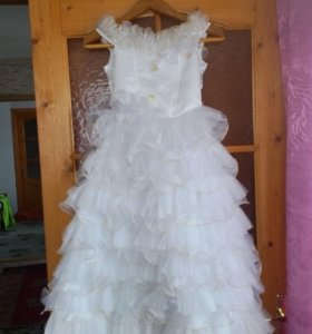 Платье на девочку 8-11 лет.