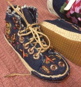 Джинсовые кроссовки ( кеды)