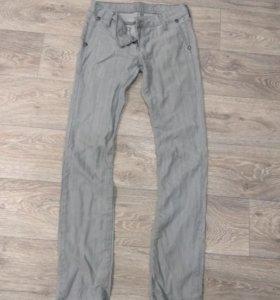 Женские джинсы 44