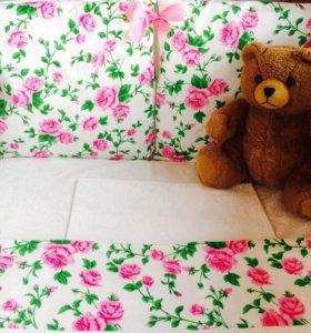 Комплект постельного белья с бортиками подушками