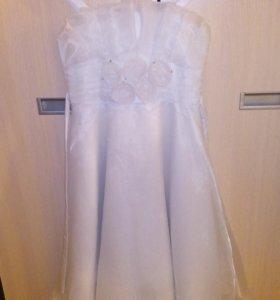 Продам красивое белое платья