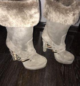 Женские зимние замшевые сапоги