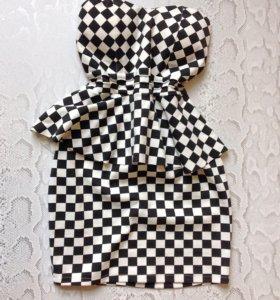 Платье-футляр р. 42-44 с баской