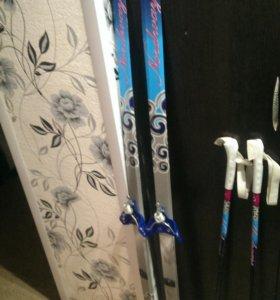 Лыжи и палки. Вместе с  ботинки 37размера