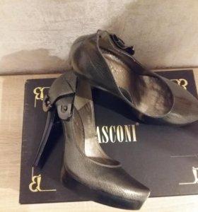 Туфли Basconi новые