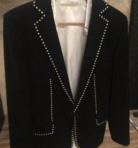 Пиджак мужской чёрный 42-44 размера
