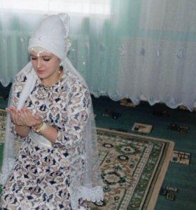 Платье на никах (возможно и на прокат)