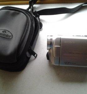 Видео камера sony на батарейках.