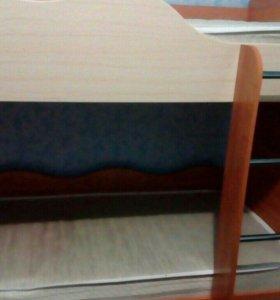 Продам двухъярусную кровать в хорошем состоянии!