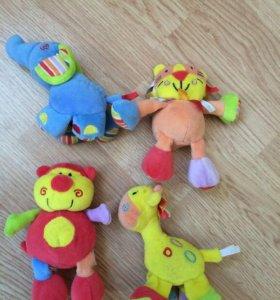Игрушки для малыша Mothecare