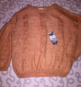 Новый Красивый свитер