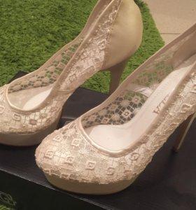 Туфли бежевые (могут быть свадебные) новые