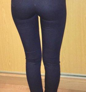 Темно синит джинсы
