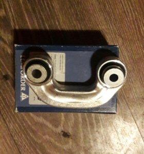 Стойка стабилизатора левая AUDI A4,A6,VW PASSAT