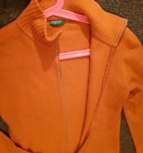 Шерстяной пуловер United Colors of Benetton