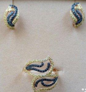 Комплект кольцо и серьги с золотыми и чёрными фиан