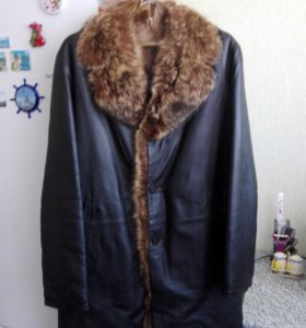 Пальто коженое.