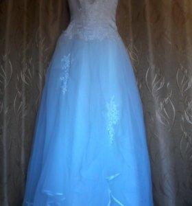 Свадебное платье,сдам на прокат.