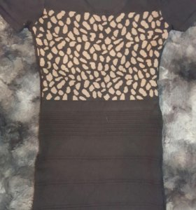 платье теплое, обтягивающее фигуру