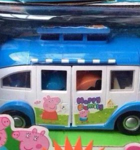 Автобус с пеппой и семьей