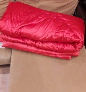 Одеяло полупуховое двухспальное.
