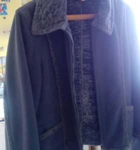 Продам вельветовую куртку