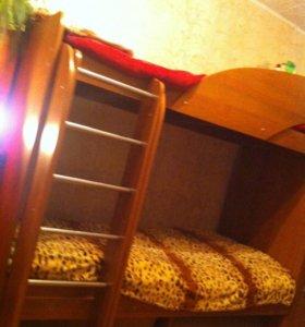Двух ярусная кровать + шкаф + зеркало!
