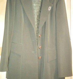 Костюм женский тройка ( пиджак, жилетка, брюки)
