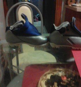 Лыжные ботинки  89533277013