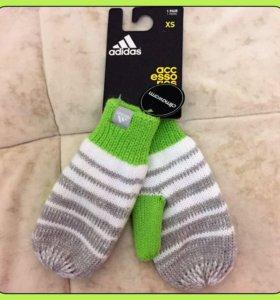 Новые детские варежки Adidas